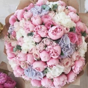 Большой сборный букет из пионов, гортензии, пионовидных роз R1519