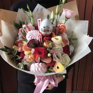 Сборный букет со сладостями R590